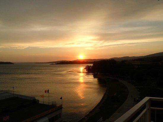Hotel Lido: tramonto sul lago
