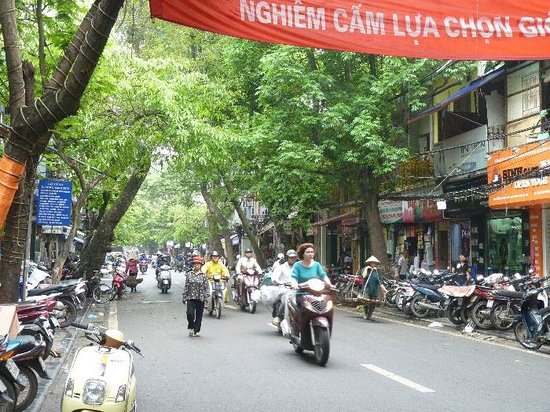 Hanoi Boutique Hotel 2 : The atmosphere of Old Town at this hotel