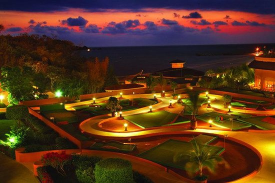 Azul Ixtapa Beach Resort & Convention Center: Mini golf