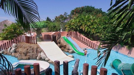 Azul Ixtapa Beach Resort & Convention Center: Kids Pool