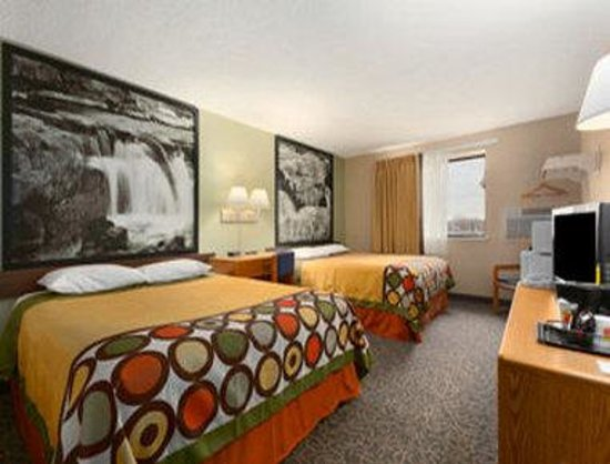 Super 8 Sioux Falls: Standard Double Room