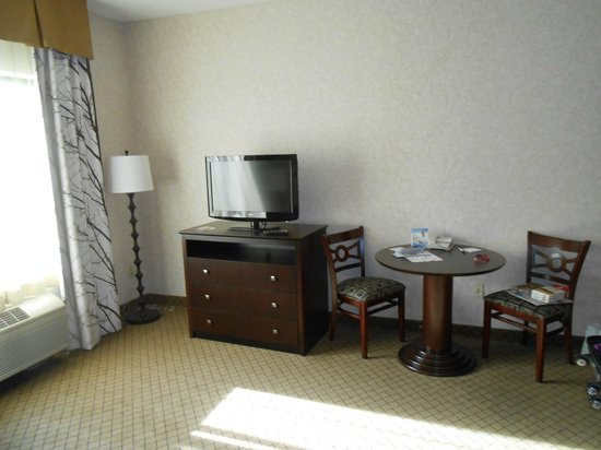 Holiday Inn Express Grove City-Prime Outlet Mall: Hotel room