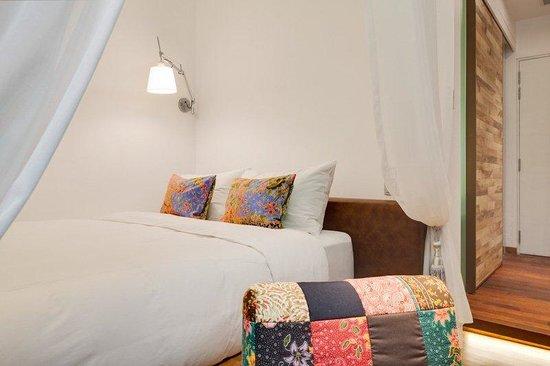 The Daulat : Deluxe Room (Bedroom)