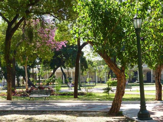 Plaza Uruguaya: Nice square