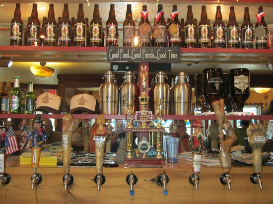 Old Schoolhouse Brewery : Plenty of Taps