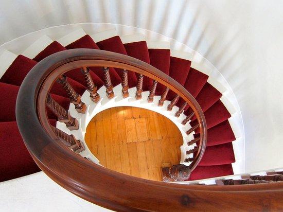 Alden House B&B : Staircase