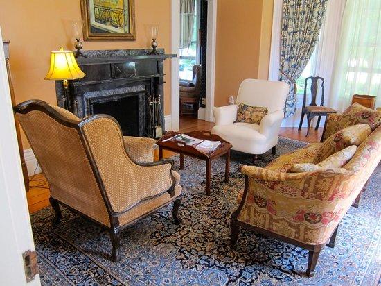 Alden House B&B : Living room area