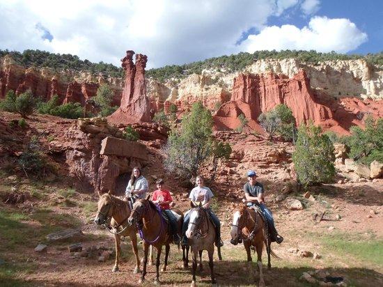 Rockin' R Ranch: Cowboy Rock Ride Little Bryce Canyon (Adam & Eve Formation)