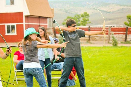 Rockin' R Ranch: Archery at the Rockin R Ranch