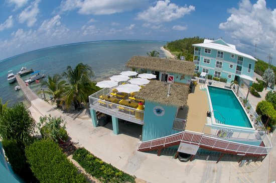 Eagle Ray's Bar & Grill: Eagle Rays is Located on the pool deck at Compass Point Resort, East End Grand Cayman