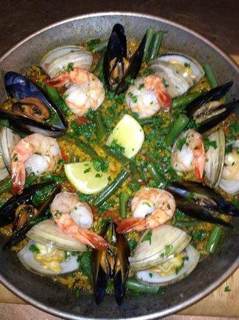 Despana: seafood paella