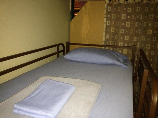 The Burlington Hostel: Ironed sheets and pillowcase!
