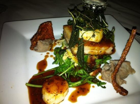 Deja Vu Restaurant: trio of pork belly & scallops