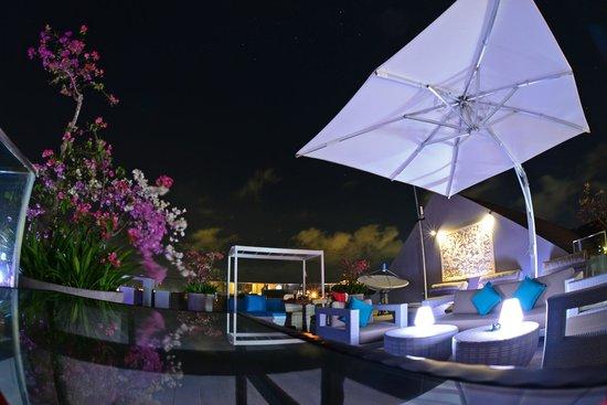 Amaroossa Suite Bali: Chandu Bayview Bar & Lounge