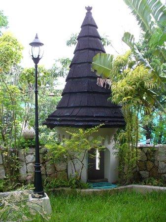 Tropicana Castle Resort: quirky turret