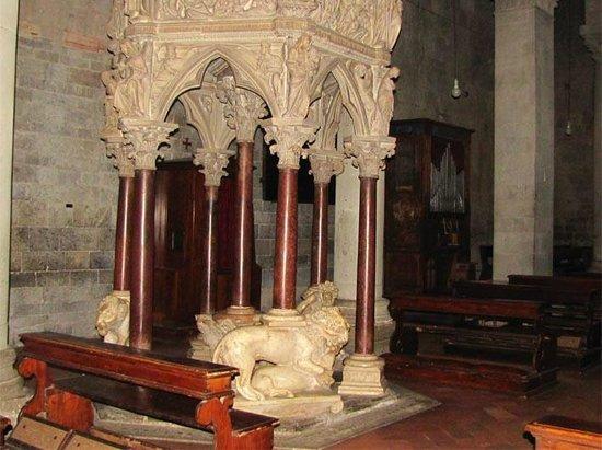 Sant'Andrea: Кафедра работы Пизано (конец 13 века)