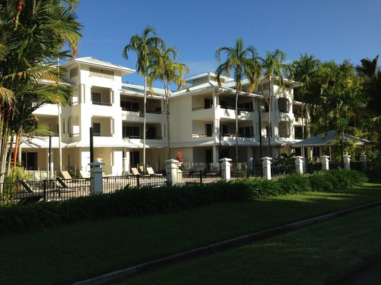 Mandalay & Shalimar Luxury Beachfront Apartments: The Mandalay