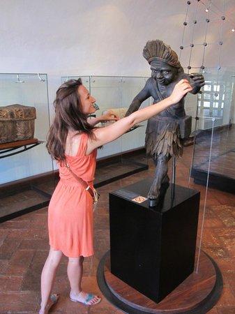 Acapulco Historical Museum: Танцы с идолом