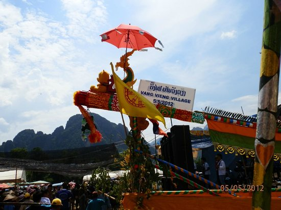 Peeping Som's Bar and Restaurant: Vang Vieng Rocket Festival