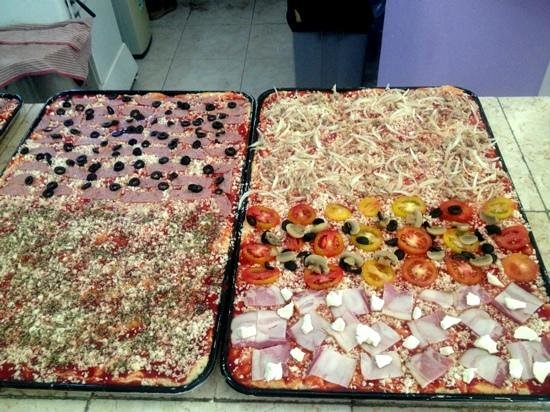 La Dolce Vita: pizza ready to put in the oven