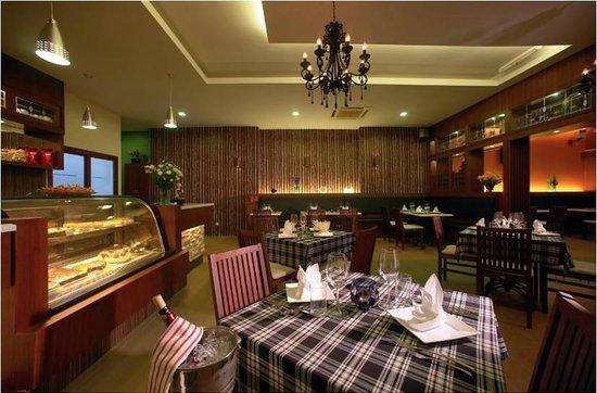 Maria's Cafe & Restaurant