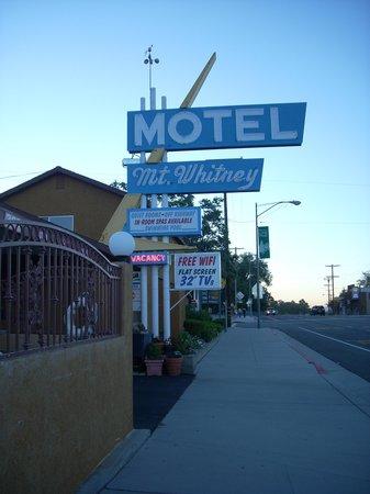 Mt. Whitney Motel - classic neon sign