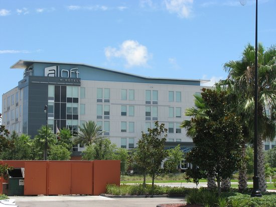 Aloft Jacksonville Airport: hotel as seen from panda express
