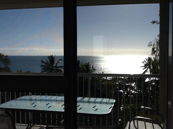 อพาร์ทเมนท์สออนเดอะบีชฮอลิเดย์: view from our bedroom window