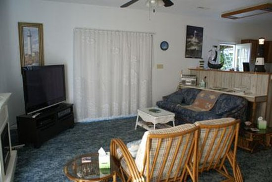 The Secret Bed And Breakfast Lodge: Nautical Living Room