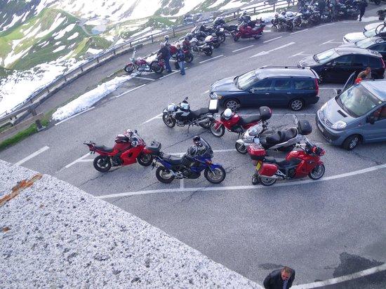 Gasthof Hochalmspitze: bikers veiw