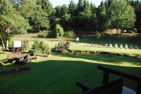 Domaine du Moulin d'Asselborn: Le jardin