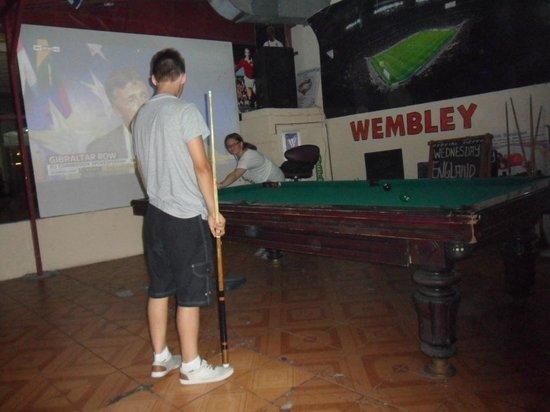 Wembley Restaurant & Bar: pool table