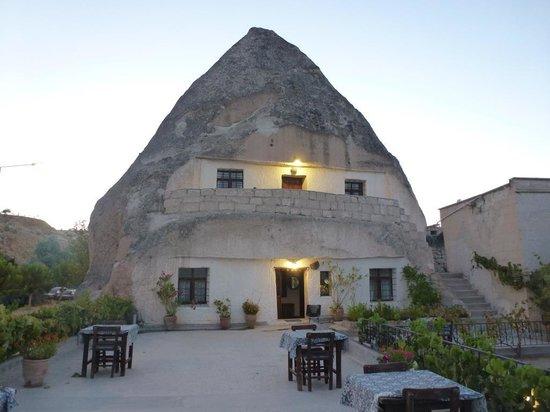 Cave Hotel Saksagan: ホテル