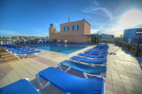 Golden Tulip Vivaldi Hotel: Outdoor Pool