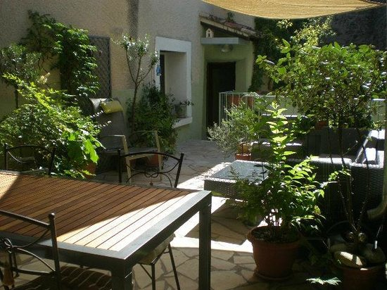 Gabian, Francja: The Village House guests terrace