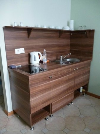 Boutique Aparthotel & Apartments: kitchenette