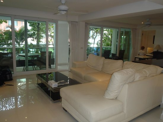 Siam Palm Residence: Living room