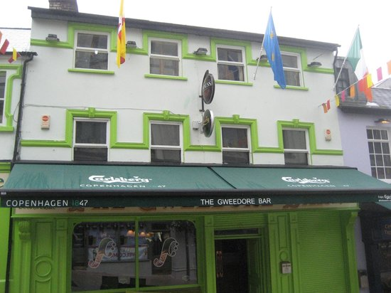 Gweedore Bar: The building