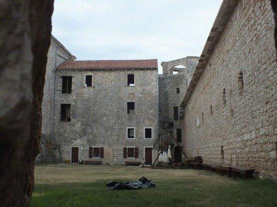 Svetvincenat, Croatia: Interieur du chateau