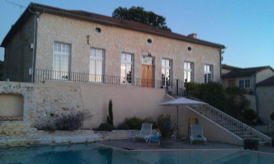 Domaine de Rambeau : The rear of the property at sunset