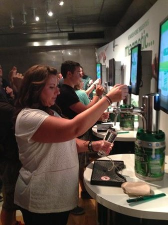 Heineken Experience: can your pour a pint?