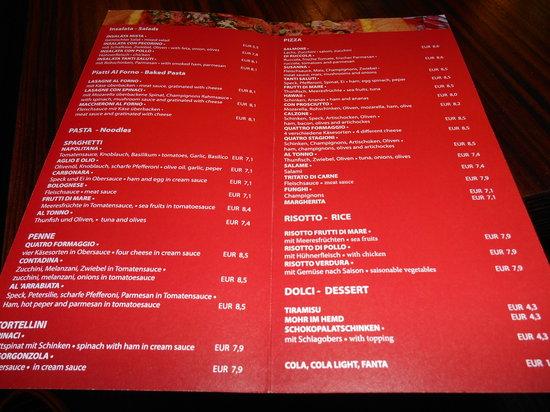 MEININGER Hotel Wien Hauptbahnhof: Snackkarte