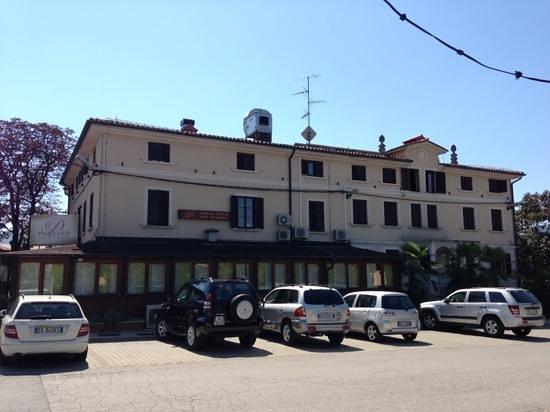 Paquito Hotel Casino: albergo