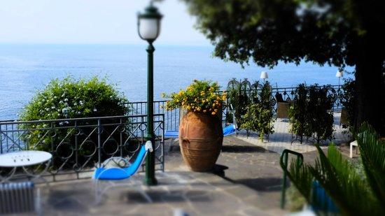 Grand Hotel Ambasciatori: Pool area