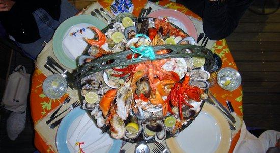 Bistro 22: La plateau de fruits de mer pour quatre