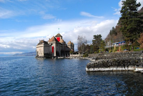 Crystal Hotel: Chillon castle