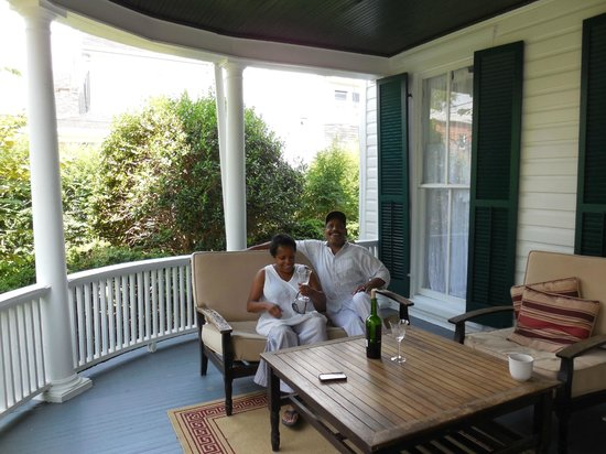 The Inn on Locust Street: Guests Pat and Brad relax on wrap around front porch