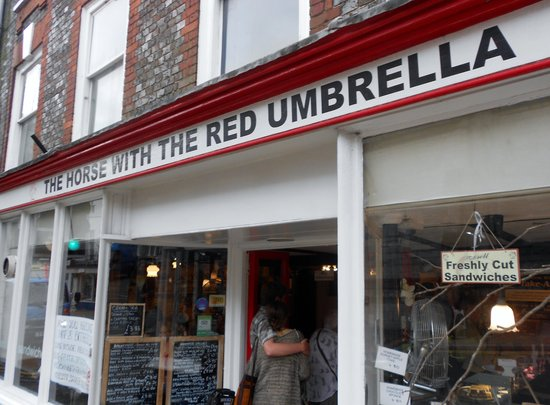 The Horse with the Red Umbrella: An excellent place to eat