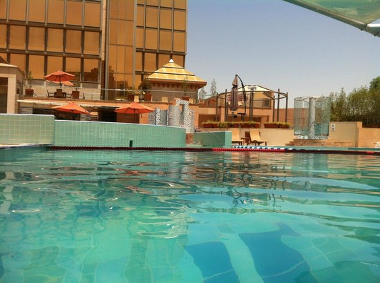 Holiday Inn Kuwait Al Thuraya City: Relaxing pool