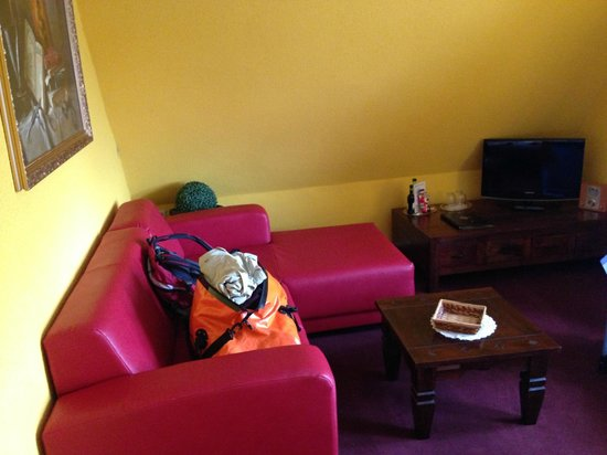 Parkhotel-Schwarzenberg: Zimmer 13 - Wohnbereich